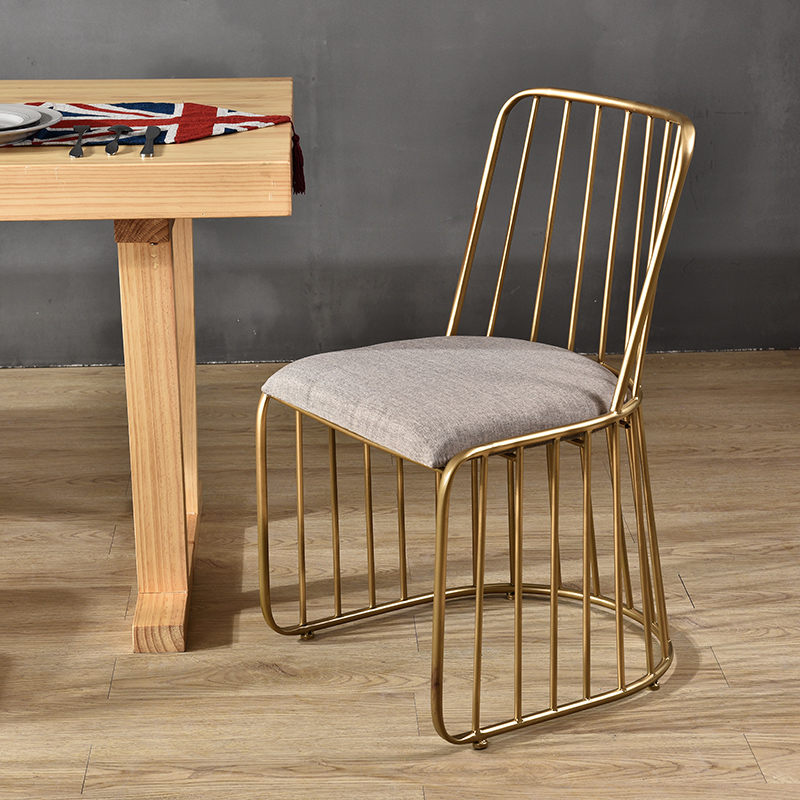 цена Nordic leisure bar stool modern minimalist dining chair wrought iron bar chair golden high stool