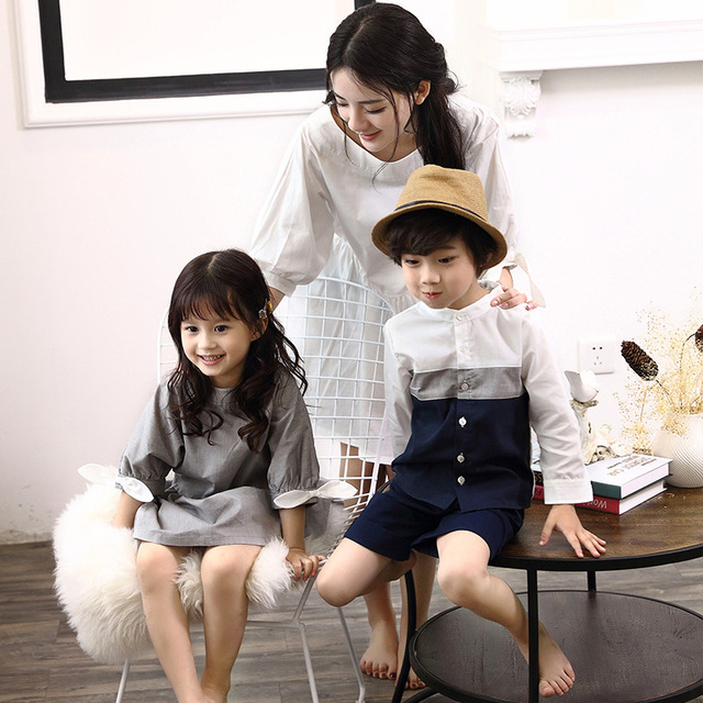 2019 Family Matching Outfits Mother White Dress Daughter Grey Dresses Father son T shirts Blouse Family Vacation Clothes D1 10 3