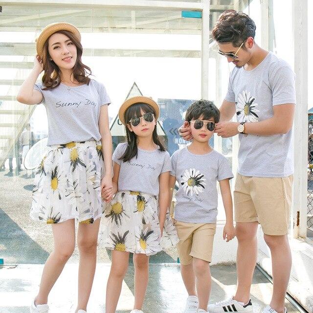a5bbfde4b Ropa familia madre padre e hijos niños vestidos niñas iguales familiares  vestidos mujer mama e hija ...