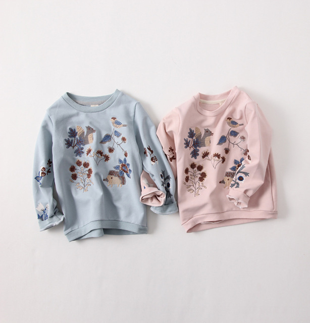 Girls Flowers Small Animal Embroidery Round Neck Sweater  2017 New Spring Dirty Pink Children T-shirt