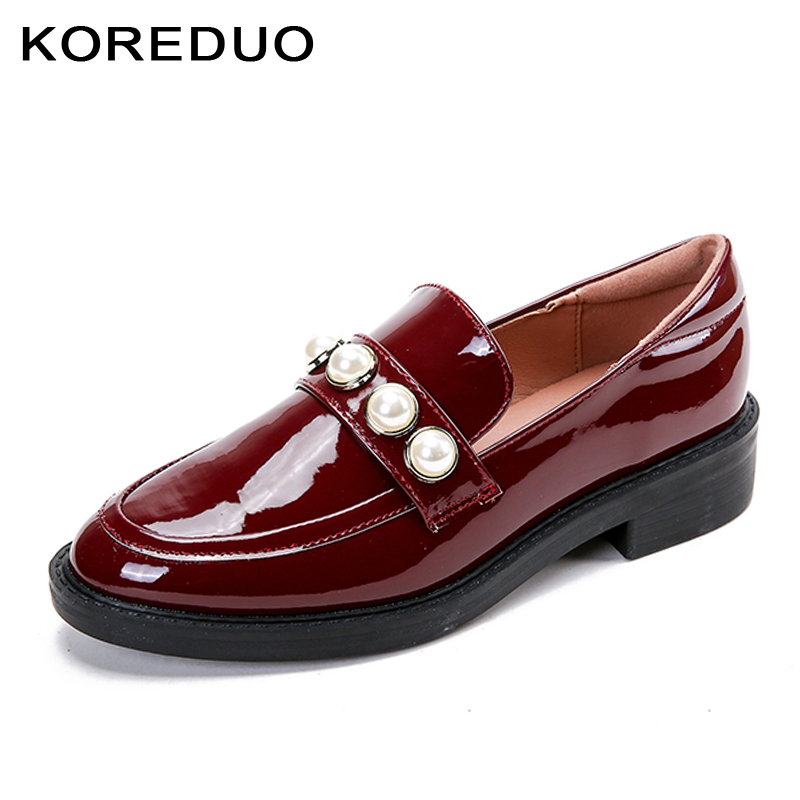 KOREDUO 2018 Spring Loafers Women Flats Shoes Female Party Red Shoes Pearl Style Woman Black Square Heels Slip on Loafers ms