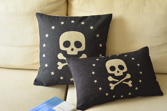 Skull pillow cover, Creative British Nordic nostalgic music pirates Gothic throw pillow cushion cover pillowcase/home decor