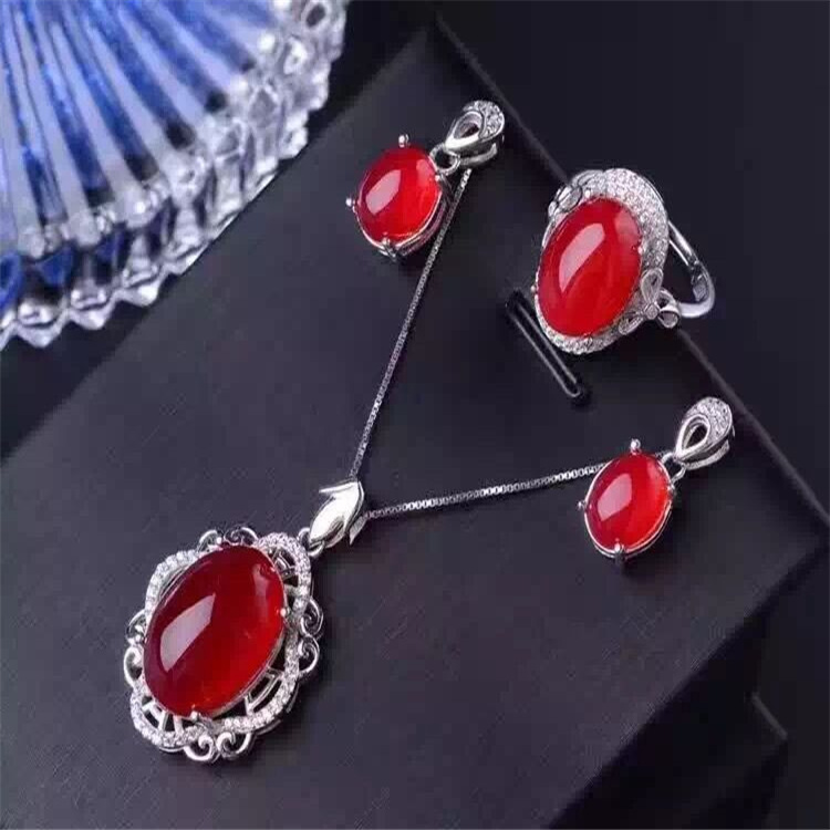 Natural red chalcedony jewelry suits S925 silver Europe and the big Korean jewelry necklace natural red chalcedony jewelry suits s925 silver europe and the big korean jewelry necklace