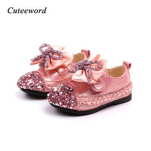 Girls Leather Shoes Sweet Soft Bottom Flowers Girls Princess Shoes 2019 Spring Autumn New Round Head Baby Sequin Bow Kids Shoes girls leather shoes 2019 spring autumn children flat with princess shoes pu baby girls hook loop antiskid soft bottom shoes 242