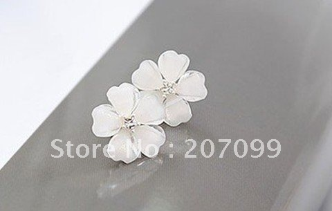 White resin plum flower stud earrings Free Shipping 12 Pairs/lot cc0851