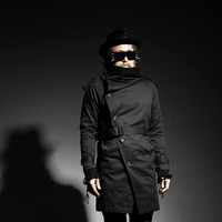 Club hair stylist slant pull a heap of collars connect belt man individual character modelling trench coat.