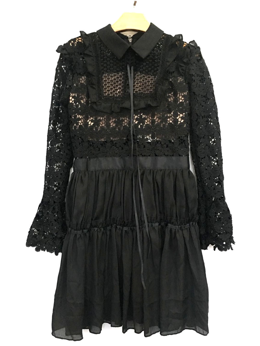 Lace Patchwork Vintage Design Flare Sleeve Mini Dress
