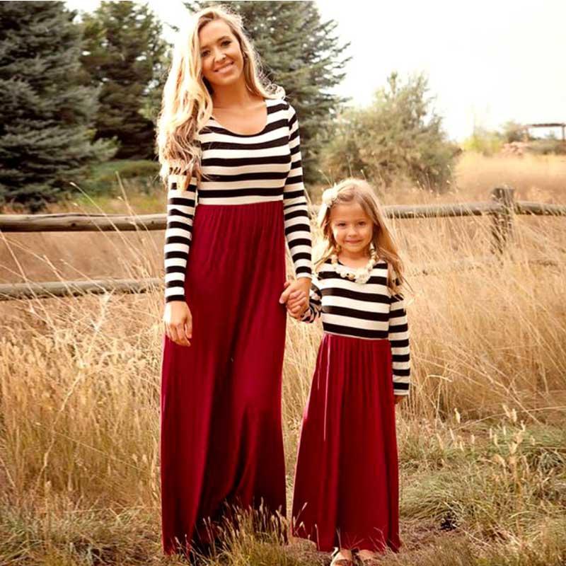 Madre hija dresse familia juego ropa rayas manga larga retazos mamá e hija vestido de moda familiar como mamá