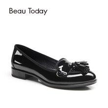 Beautoday Глянцевая кожа коровы Лоферы Для женщин без застежки круглый носок бахрома Демисезонный повседневные туфли на плоской подошве женские Обувь ручной работы 27022