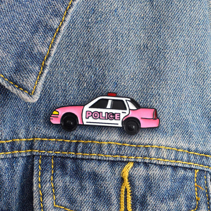 Kartun Pink Mobil Polisi Bros untuk Wanita Pahlawan Anak Mimpi Enamel Pin Denim Ransel Topi Ikon Lencana Perhiasan Keluarga Anak hadiah
