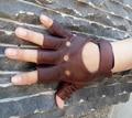100% Envío de La Gota 2015 de La Moda de Cuero de Cabra Guantes Sin Dedos Medio Dedo Guantes de Conducción de Las Mujeres 1 Unids de Cuero Para Las Mujeres Frente