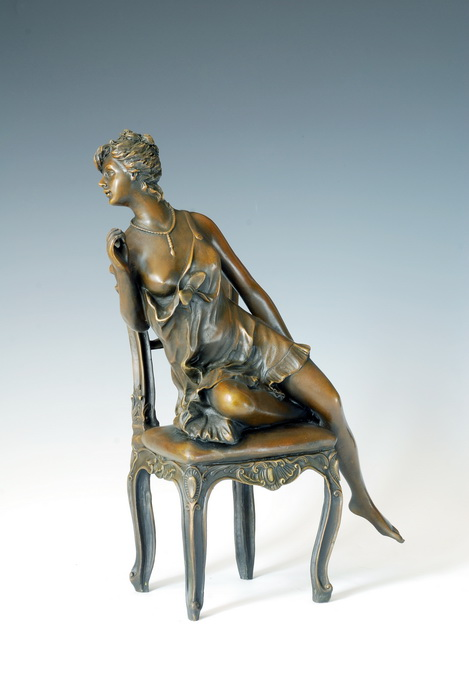 Classical sculptures western maid sitting on chair bronze sculpture Home Decoration