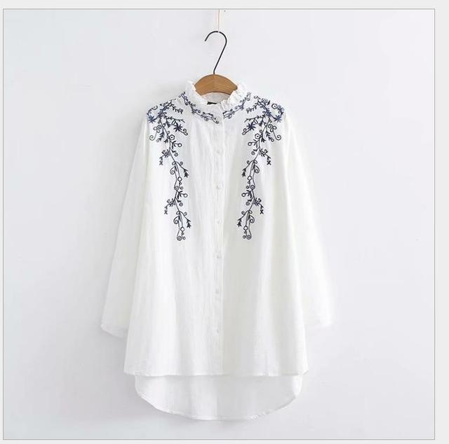 Cotton and linen embroidered long shirt with wooden ear edge