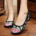 Chegada nova Velha Pequim Sapatos das Mulheres Chinês Tradicional Bordado Macio E Confortável Sapatos de Dança Sapatos de Salto Plana SMYXHX-A0059