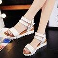 Zapatos de verano Mujer Sandalias Vendedoras Calientes de Las Mujeres 2017 Peep-Toe Zapatos de las Sandalias Romanas Planas Sandalias de Las Mujeres Sandalias Mujer Sandalias F80