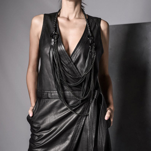 Image 4 - YD & YDBZ جديد طويل جلدية قلادة المرأة مجوهرات فاخرة اليدوية مصمم قلادة قلادة الجلود و سلسلة الشرير نمط المختنق