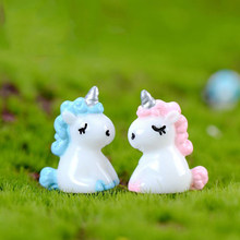 2 Pcs/lot Lovely Unicorn Figurine Miniatur Patung Dekorasi Kartun Hewan Resin Kerajinan Model Sosok Mainan(China)