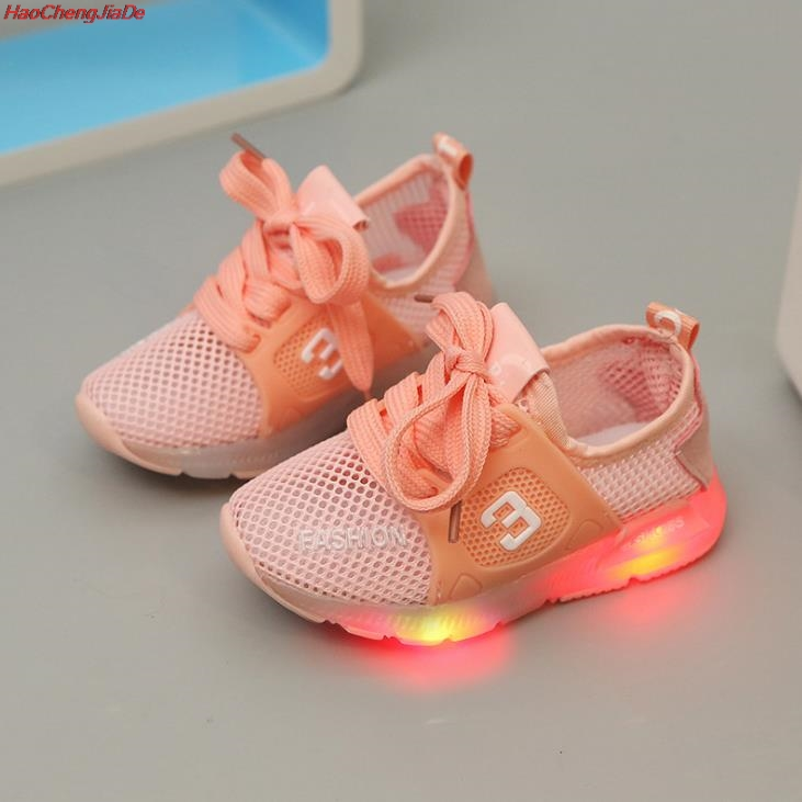 HaoChengJiaDe New Children Luminous Shoes Boys Sport Running Shoes Baby Flashing Lights Fashion Sneakers Toddler Kid LED SneakerHaoChengJiaDe New Children Luminous Shoes Boys Sport Running Shoes Baby Flashing Lights Fashion Sneakers Toddler Kid LED Sneaker