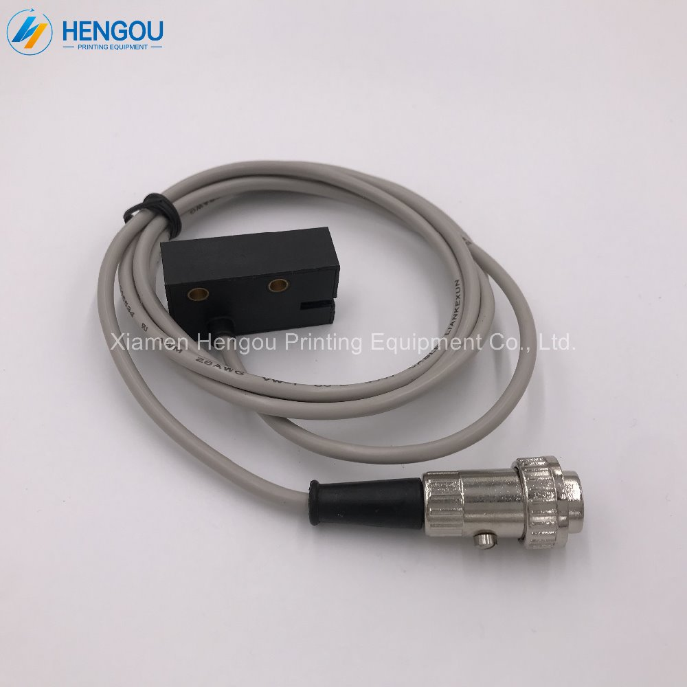1 piece heidelberg SM102 CD102 GTO52 sensor photocell sensor 93.110.1331 offset printing machine parts 10 piece heidelberg gto52 parts gripper bar torsion for gto52 89 014 009