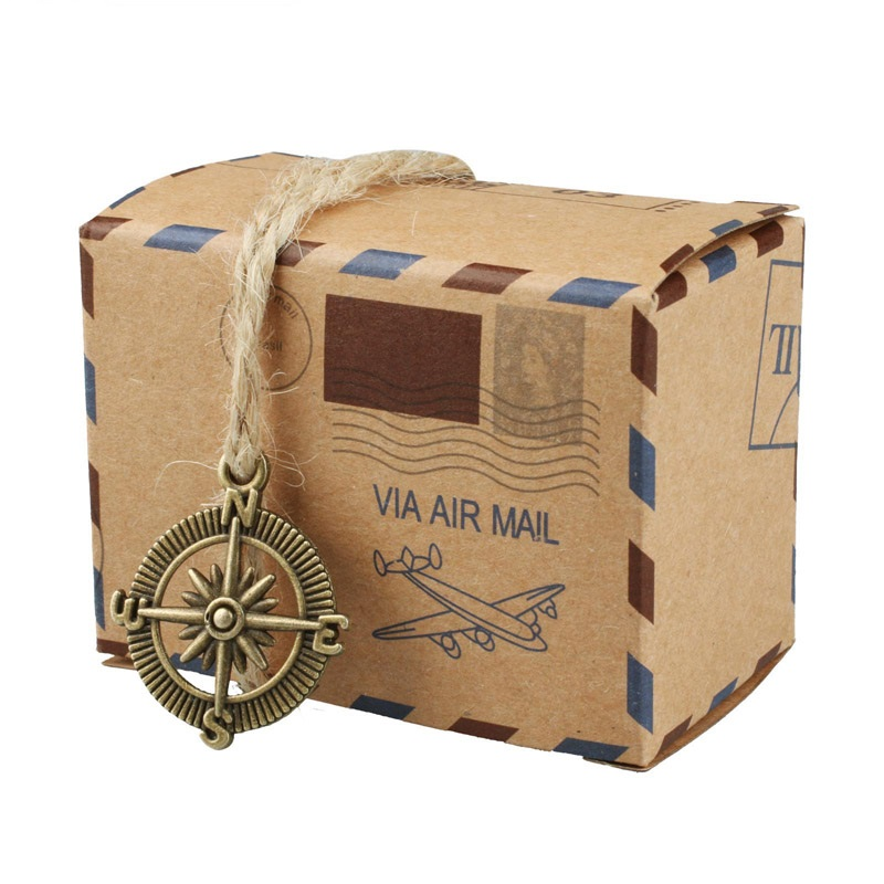 50pcs Vintage Via Air Mail Global Paper Candy Box with Metal Compass Global envelope Cake Box Bomboniera Sachet Wedding decor