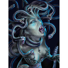 8cdc6f5d6ef20a DIY Diamant Schilderij Snake Banshee Volledige Vierkante Medusa Foto Van  Rhinestone Portret Diamant Borduurwerk Griekse Mythologie