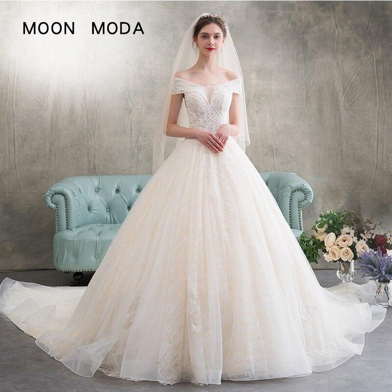 Simple Plus Size Wedding Dresses: Sleeveless Lace Wedding Dress 2019 Boat Neck Simple