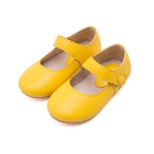 Image 4 - 春2020ベビー幼児ガールレトロメアリージェーンフラットリトル子供マイクロファイバー革ローファー子供黄、黒、ベージュ歩行の靴
