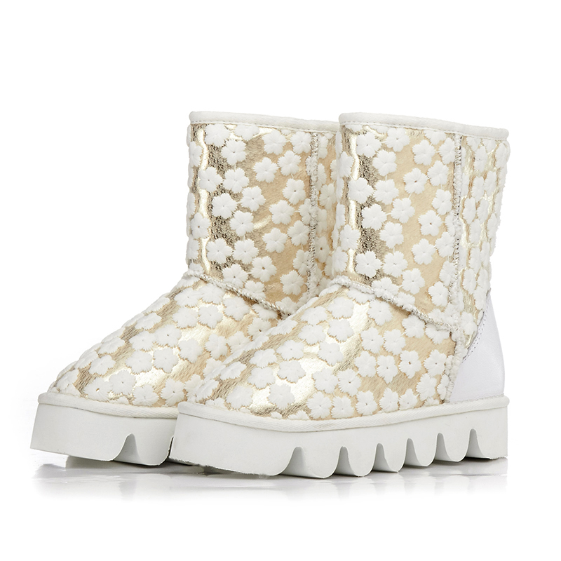 ФОТО Women Winter Snow Boots Ankle Genuine Leather Water Proof Taiwan Embossed Leather Plush Thick Warm Boots Round Toe Plus Size