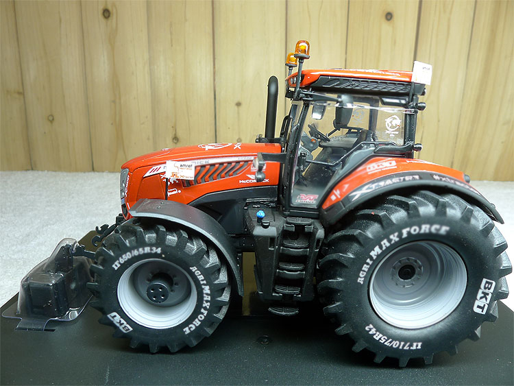 1:32 5328 X8 Xtractor commemorative tractor model alloy farm vehicle model Alloy collection model rep 1 32 fiat 110 90 tractor alloy model agricultural vehicles favorites model