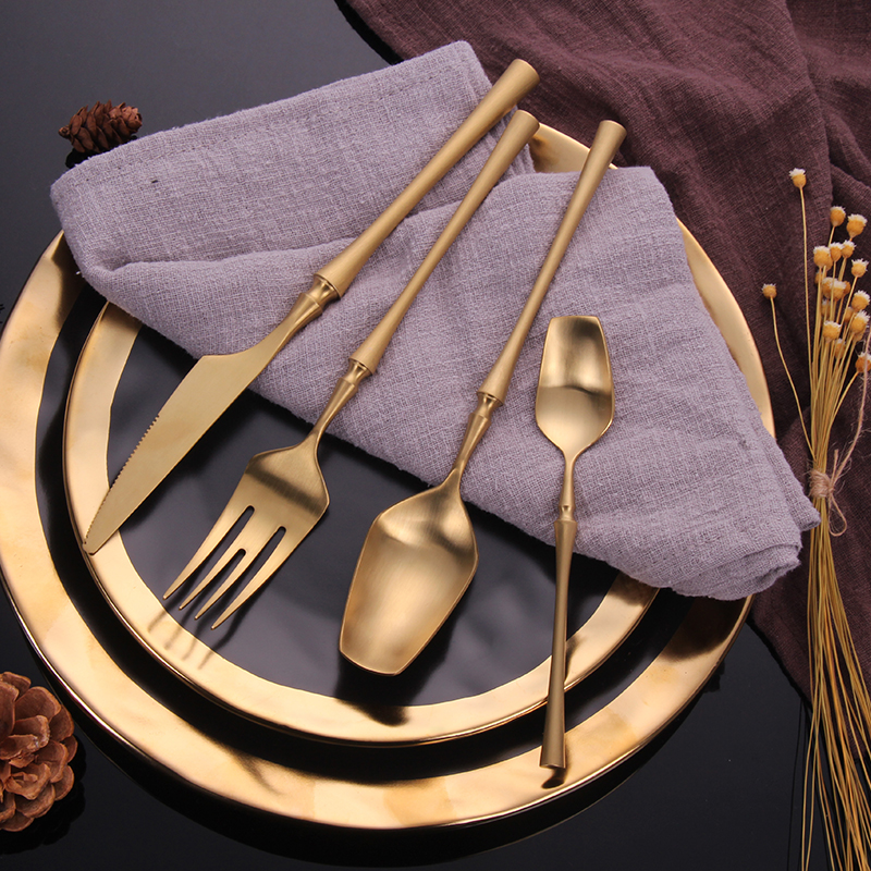 2019 Cutlery Set 24 Piece Set Forks Knives Spoons Dinnerware Set Tableware Portable Golden Cutlery Set Silverware fork spoon