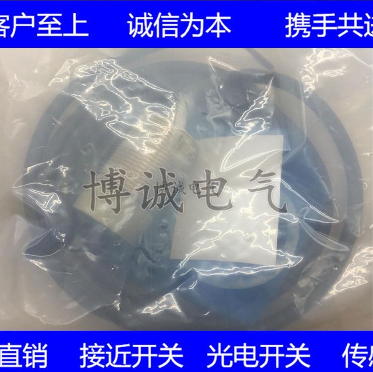 Spot Cylindrical Sensor E2A-M18 LN16-WP-B2 E2A-M30LS15-WP-C2