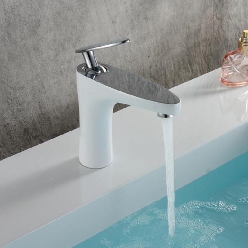 Fashion unique design white and chrome brass single lever hot and cold bathroom sink faucet basin faucet,tapFashion unique design white and chrome brass single lever hot and cold bathroom sink faucet basin faucet,tap