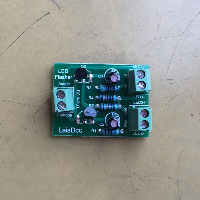 1PC compact Circuit Board to make the crossing signals LED flash Alternately 860039/LaisDcc Brand