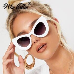 Tienda Online Que lindo pico de 2018 de ojo de gato gafas de sol mujer  marca diseñador 90 S Vintage blanco grueso Marco de ojo de gato mujer gafas  de sol ... d9ac5da6e095
