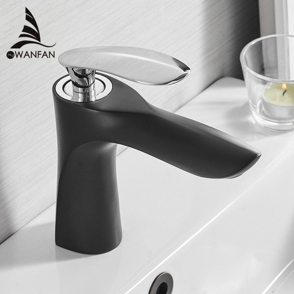 Torneiras de lavatório Do Banheiro Elegante Torneira de Água Quente e Fria Mixer Bacia Torneira Acabamento Cromado Latão Wc Sink Guindaste Água Ouro 220R