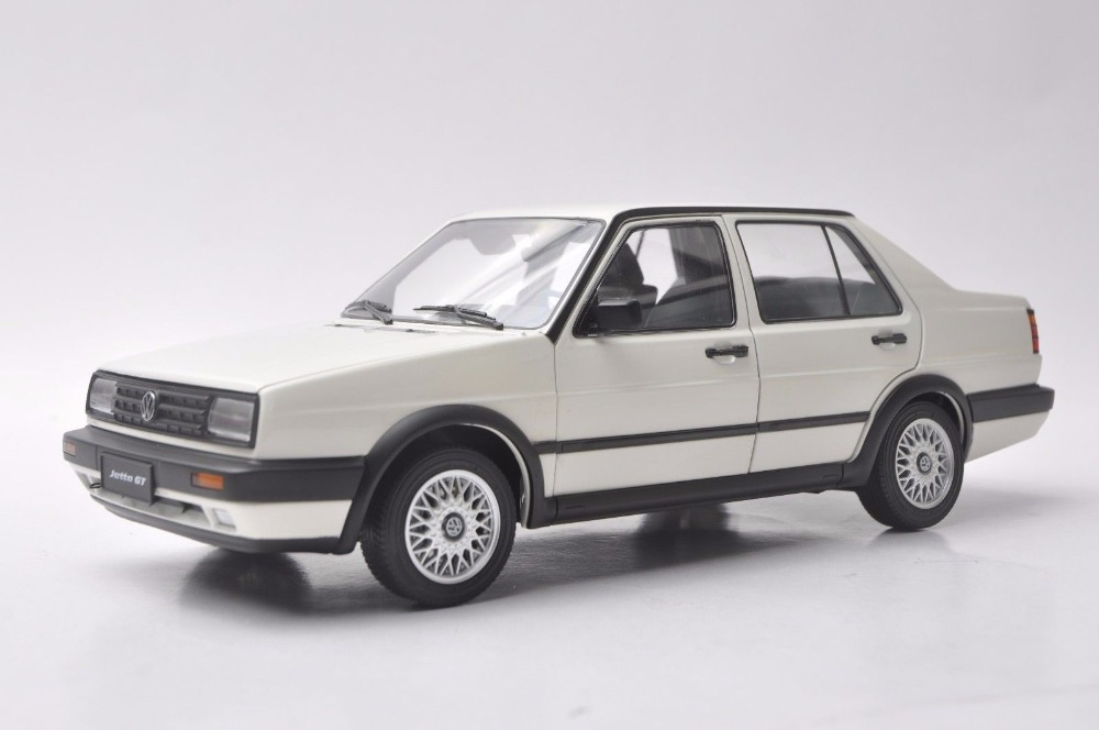 1:18 Diecast Model for Volkswagen VW Jetta GT MK2 1984 White Sedan Rare Alloy Toy Car Miniature Collection Gifts
