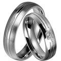 1 Par 2016 Novo Venda Dele e Dela Anéis de Casamento Prometido conjunto de casamento da faixa 5mm prata titanium aço para masculino e feminino com CZ