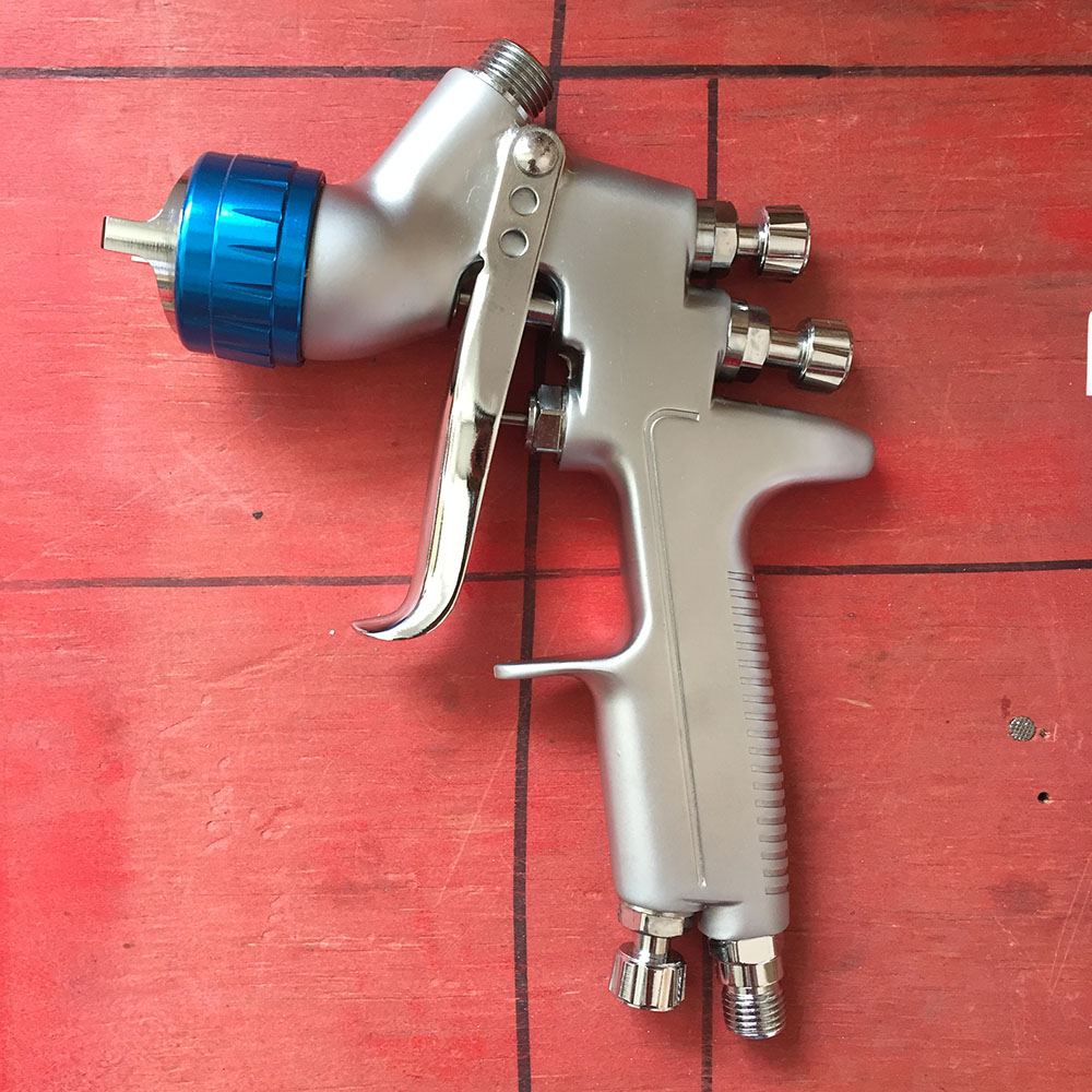 цена на SAT0080 air tools car painting tools pneumatic spray gun airbrush gravity feed type atomizer sprayer