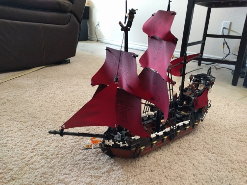 The Black Pearl 1151pcs Queen Anne's revenge Pirates of the Caribbean L Building Blocks Compatible with lego kid gift set 1513pcs pirates of the caribbean black pearl general dark ship 1313 model building blocks children boy toys compatible with lego
