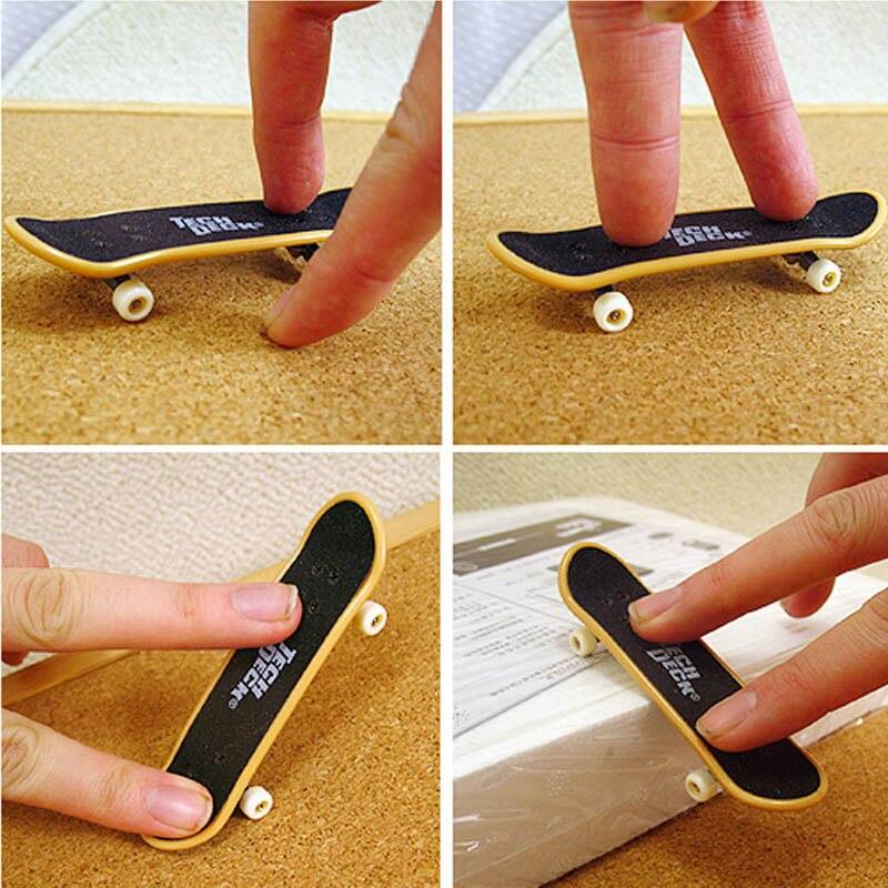 Childrens toy Finger skateboard Toy DIY Creative Game 10cm Finger Skateboard kids Novelty desktop Stress Relief Toy