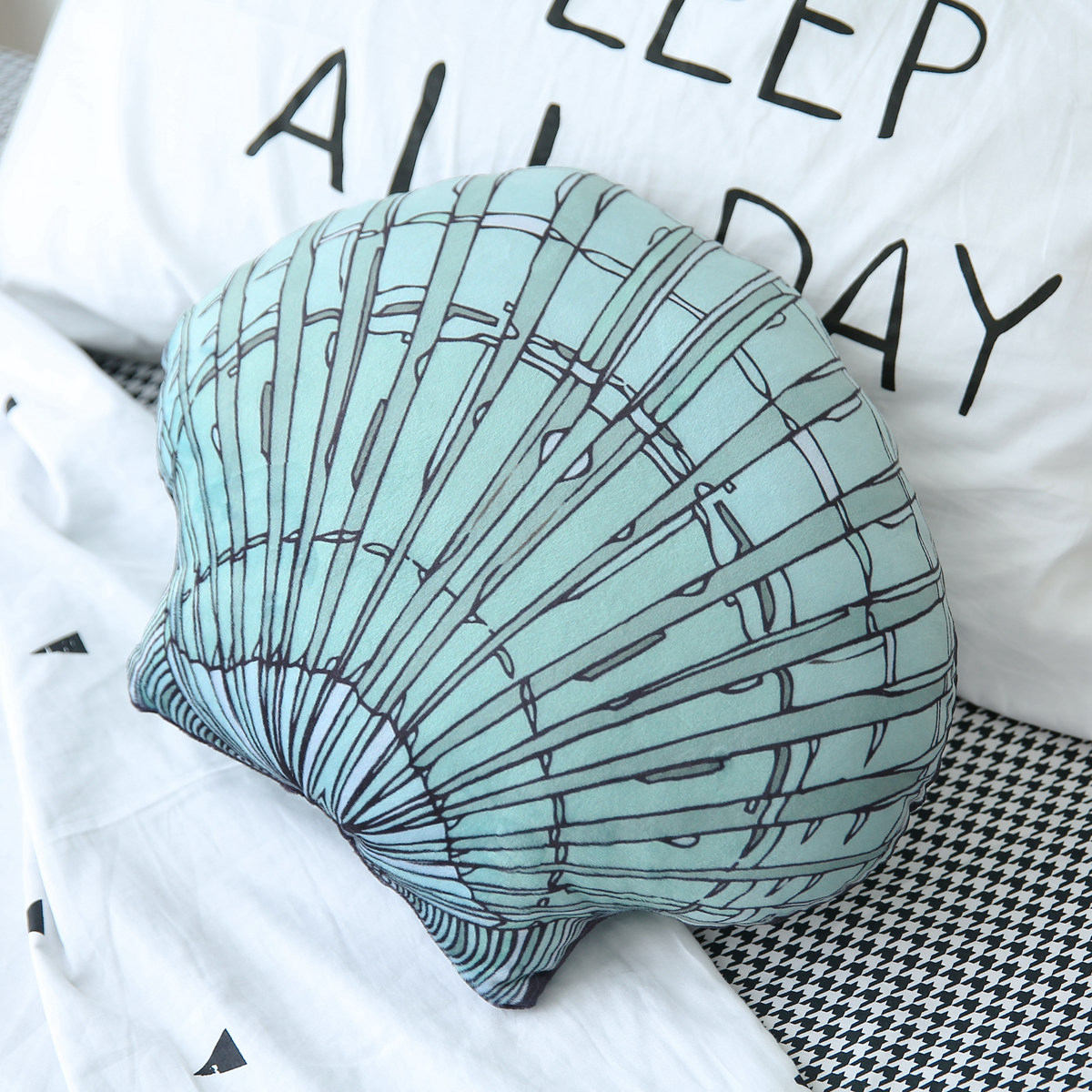 Shell Hug Cushion Country Style Decorative Camera Props, Sofa Hugs Pillow Lumbar Vivid Beach Shells Pillow