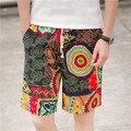 Cortocircuitos de los hombres nueva marea floral ocio playa pantalones cortos sueltos hombres rectos de lino pantalones cortos de moda