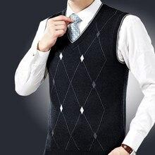2017 quality goods top Medium aged wool Men sweater Sleeveless V collar Christmas sweater man Cashmere loose Big yards vest