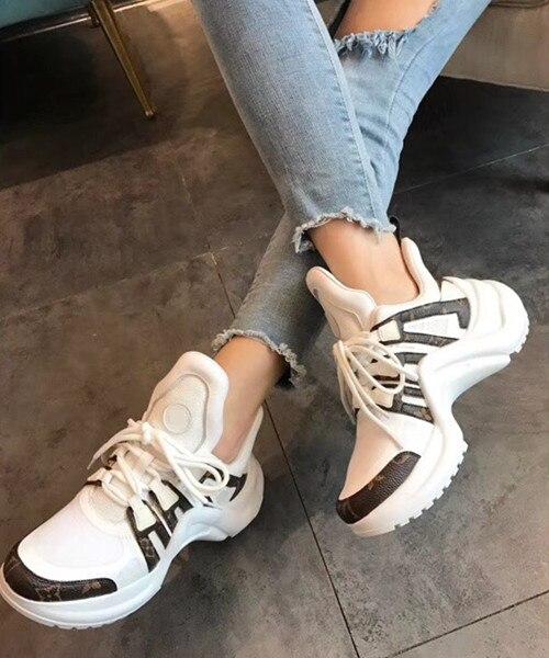 Marque de luxe de mode de femmes chaussures 2018 nouvelles femmes chaussures net respirant fond épais de grande taille dames de mode chaussures
