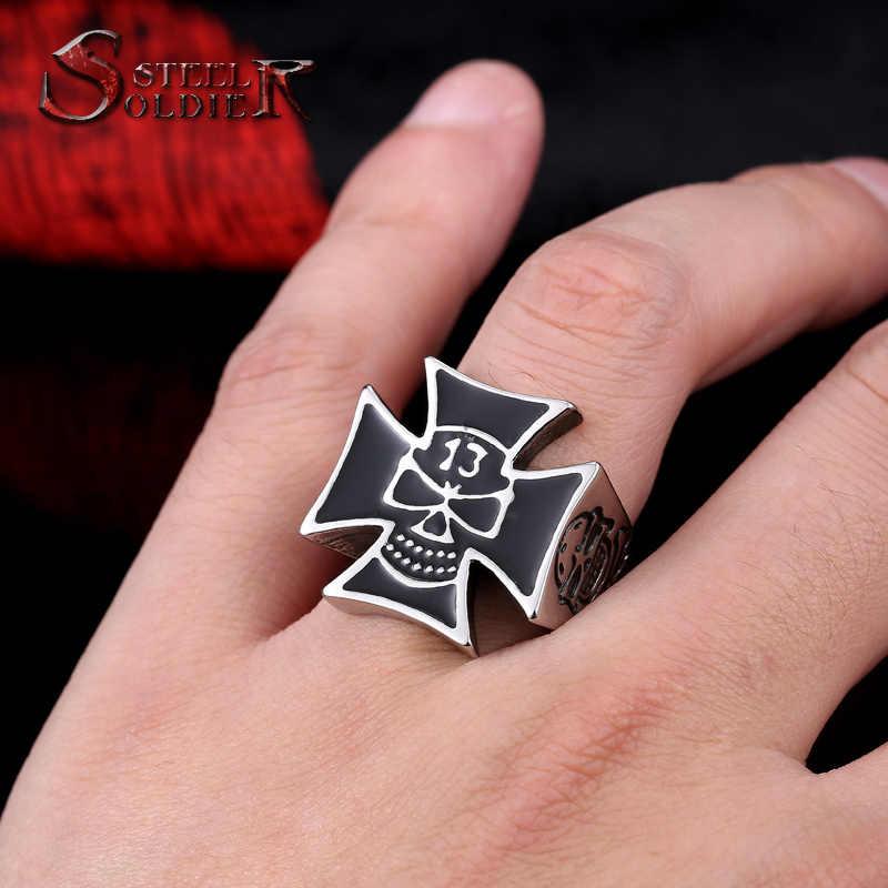 スチール兵士ステンレス鋼男性クロスパンクスカルラッキー13リング新デザイン工場価格男性ジュエリー