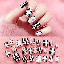 24pcs/set Elegant Fake Nails Black White Stripe Color Mix Chic Short False with Pearl Rhinestone Square Acrylic Tips