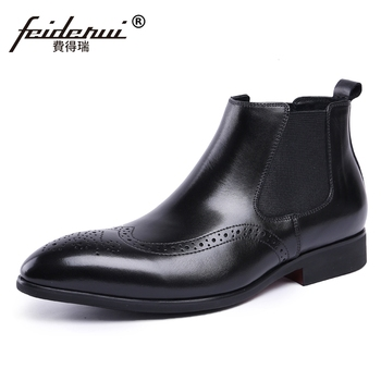 Designer britânico Homem Artesanais Esculpidos Brogue Sapatos Nas Pontas Das Asas de Couro Genuíno dos homens Cowboy Equitação Chelsea Ankle Boots JS91
