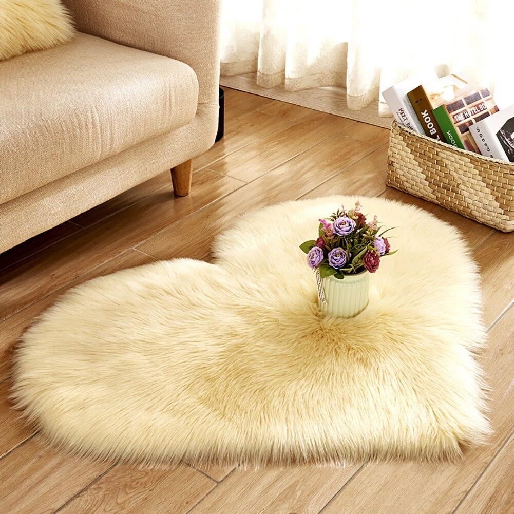 Plush Creative Heart Shape Rug Anti-Slip Carpet Door Mat Home Bedside Decor Soft Imitation Wool Fluffy
