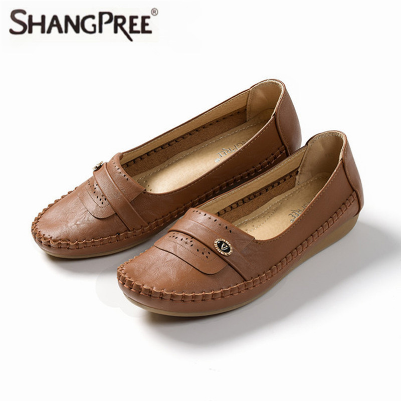 2017 New Women Flats shoes Mother Breathable Comfortable Slip-On Shoes Driving Climbing Non-Slip Shoes