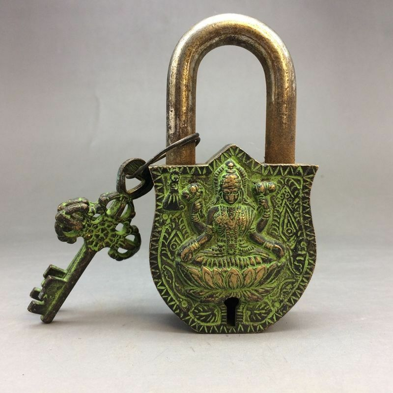 Rare Ancient Chinese Bronze Buddha Sculptures Locks And Keys Exquisite Small Statues